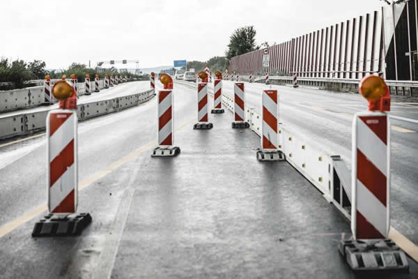 Mobile road barrier T3/W1