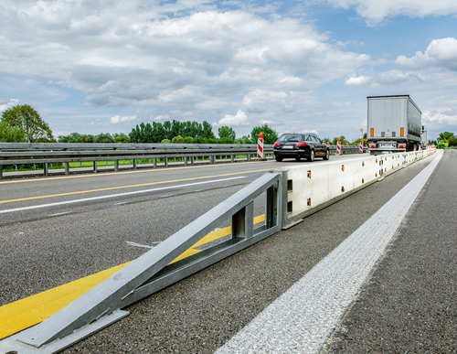 Mobile road barrier IBOWand 500-18 T3/W1