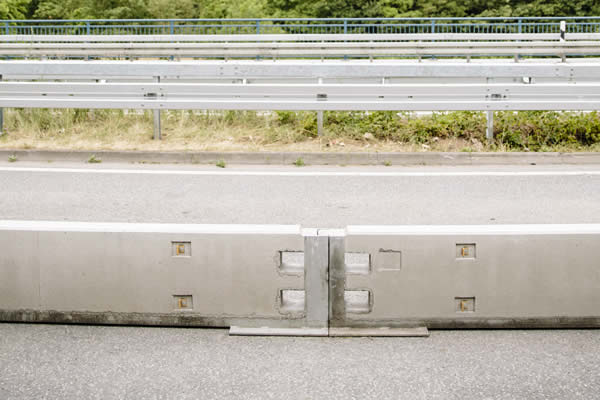 Transportable safety barrier T1 W1