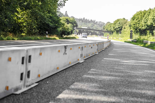Transportable safety barrier T3 W2